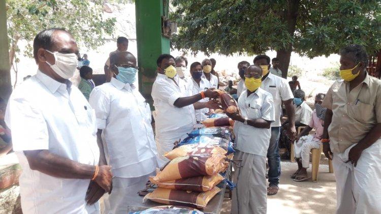 நக்கலப்பட்டியில் சட்டமன்ற உறுப்பினர் நீதிபதி நிவாரண உதவி