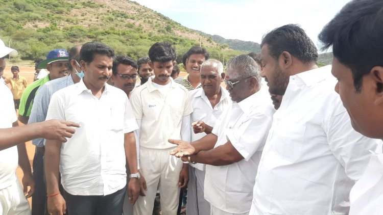 தொட்டப்பநாயக்கனூரில் S.A.பாலாஜி நினைவாக நடைபெற்ற B.C.C கிரிக்கெட் போட்டி